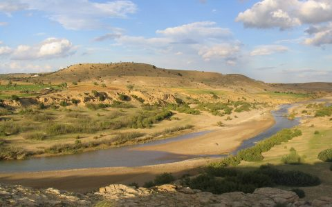 TN - Valley of the Nebhana river in central Tunisia