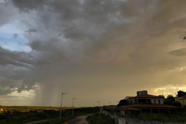 Feriado terá nebulosidade variável com eventos de chuva no Cariri, Ibiapaba e nos litorais Norte e de Fortaleza