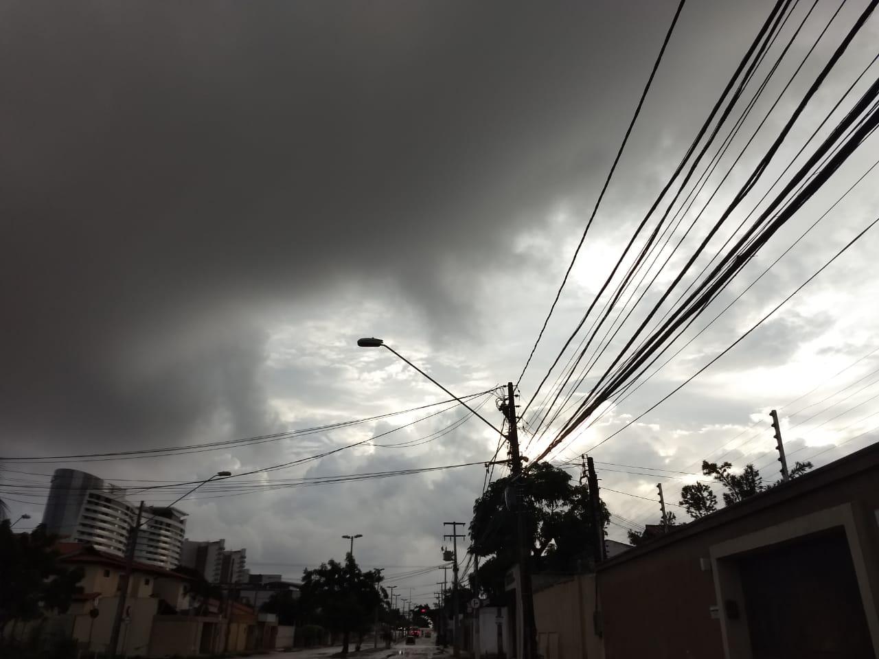 O tempo nublado vem sendo observado na Capital e áreas vizinhas (FOTO: Felipe Lima/Funceme)