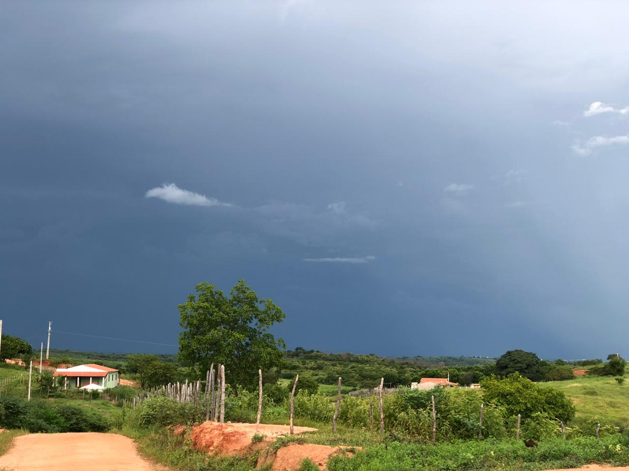 Proximidade da Zona de Convergẽncia Intertropical (ZCIT) deverá proporcioanr chuvas em todas as regiões (FOTO: Marciel Bezerra)