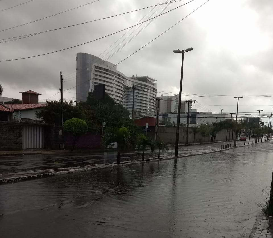Na Capital, as chuvas chegaram durante as primeiras horas da manhã (FOTO: Felipe Lima)