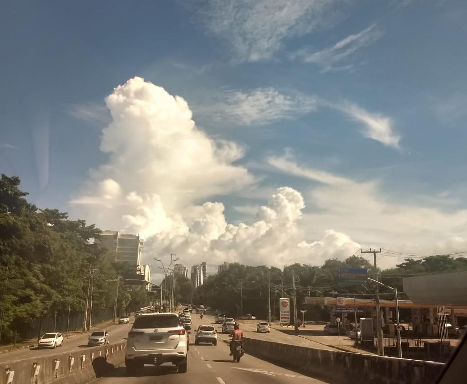 Apenar o litoral do Ceará tem possibilidade de chuva nesta sexta-feira (FOTO: Felipe Lima)