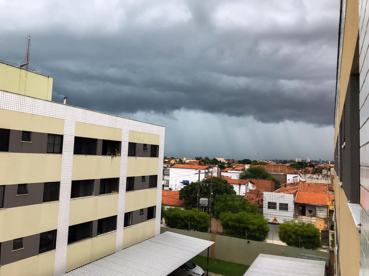 Chuvas isoladas são observadas no Ceará deste esta terça-feira (FOTO: Leandro Castro)