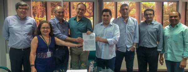 No acordo firmado a Secretaria do Desenvolvimento Agrário, através do Idace, se comprometeu no fornecimento dos dados atualizados dos imóveis rurais disponíveis e dos dados fundiários (FOTO: Marina Filgueiras/SRH)