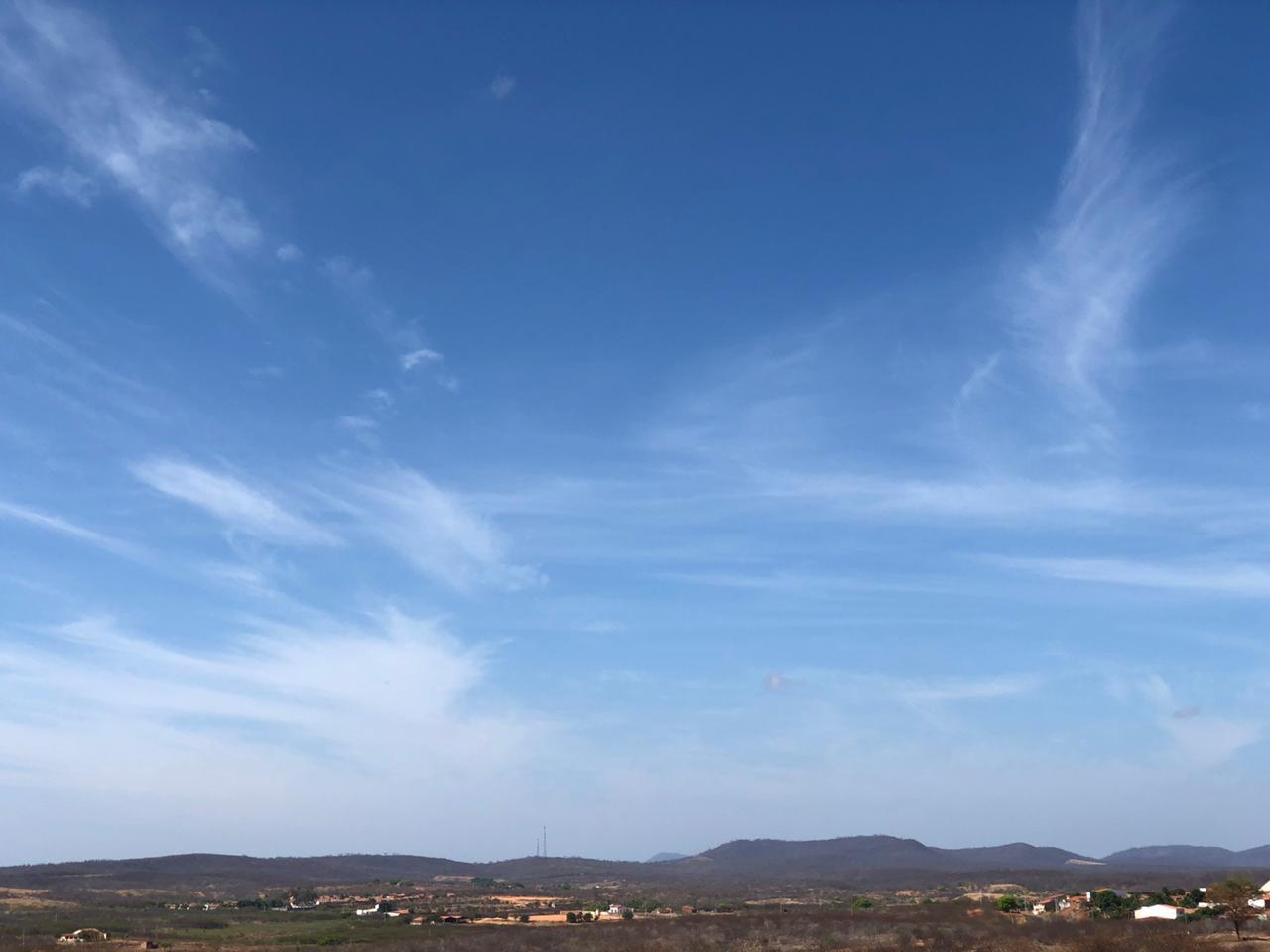 Ceará apresenta-se com poucas nuvens (FOTO: Marciel Bezerra)