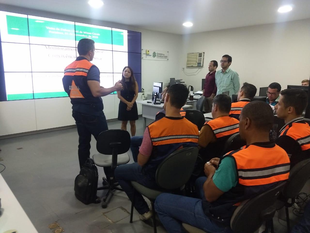 Defesa Civil e Funceme trocaram ideias sobre ações de prevenção e combate à seca (FOTO: Felipe Lima/Funceme)
