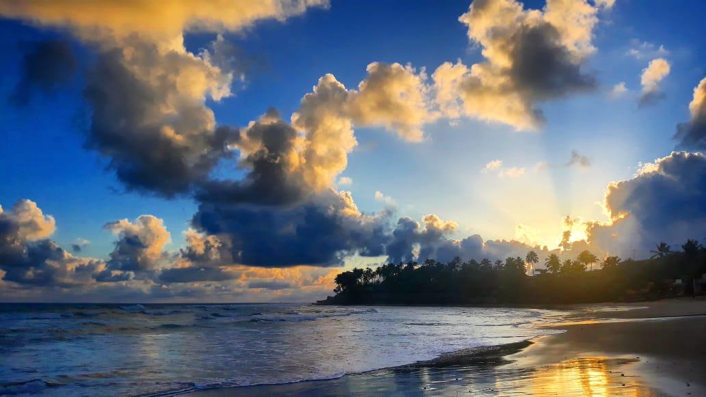 Concentradas pela madrugada e manhã, precipitações aliviaram calor momentâneo no litoral FOTO: Érico Frota)