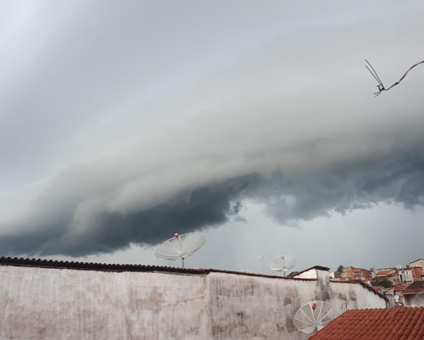 Crateús, Araripe e Solonópole, na macrorregião do Sertão Central e Inhamuns, aparecem entre os cinco principais acumulados (FOTO: Guto Rodrigues)