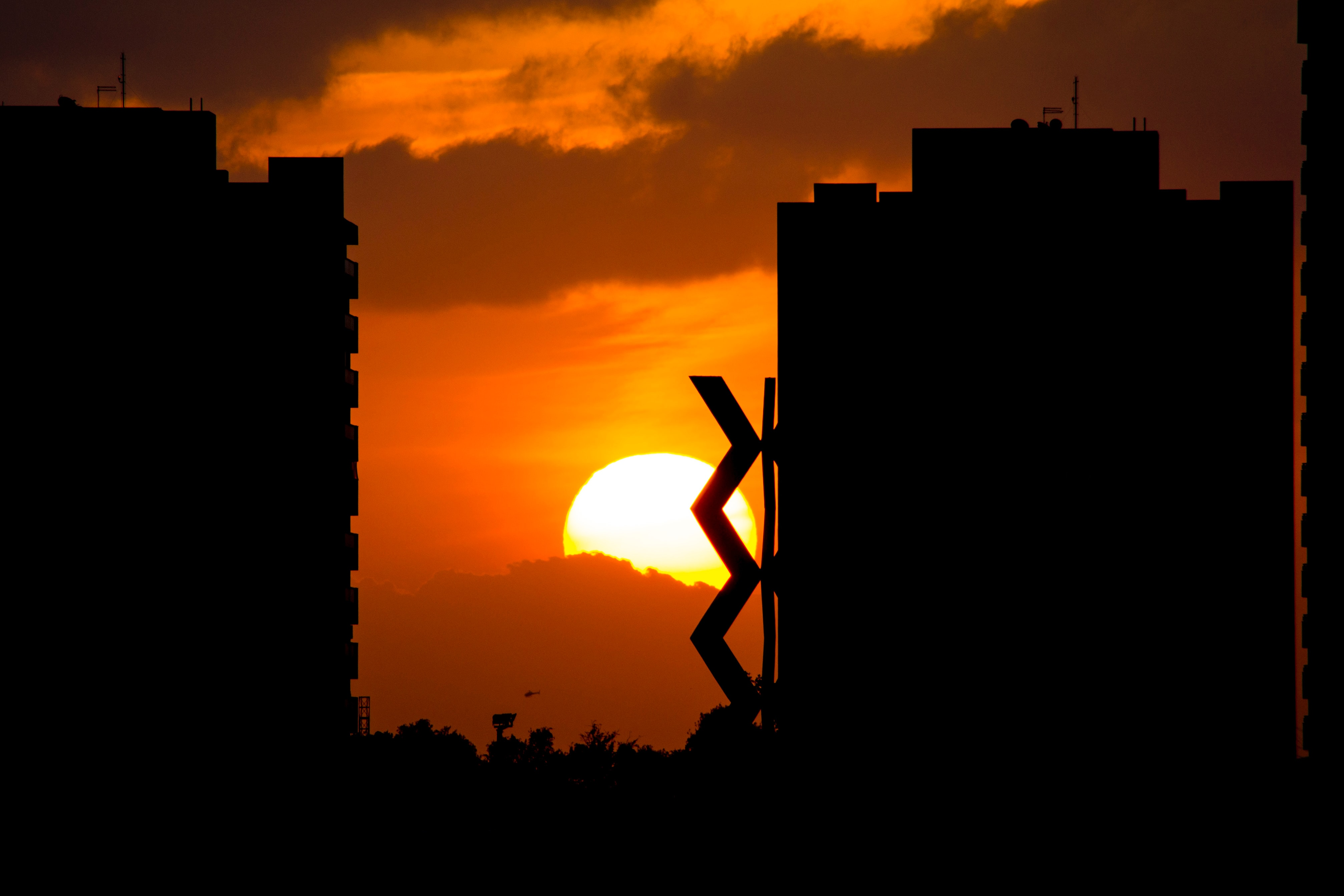 Céu claro deve predominar sob o Ceará até a tarde desta quinta-feira (FOTO: Renan Braga)