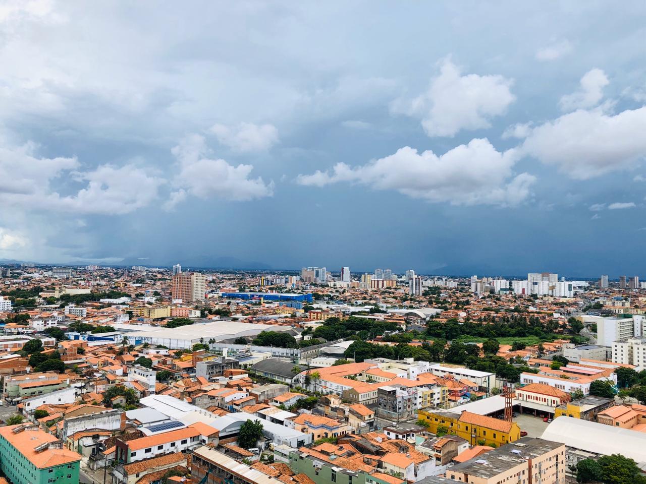 Em Fortaleza e RMF, expectativa é de chuva isolada entre madrugada e manhã (FOTO: Keise Silva)