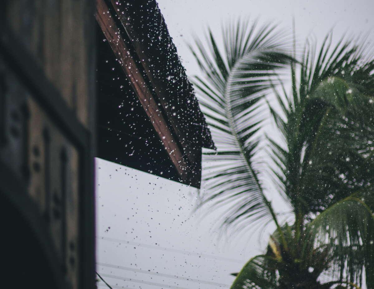 Chuvas foram registradas em todas as macrorregiões (FOTO: Reprodução/Nur Andi)