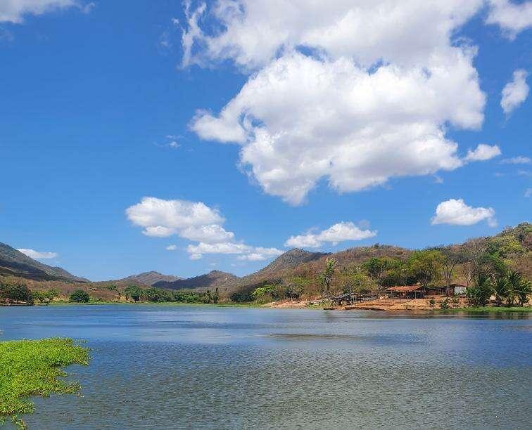 Áreas do litoral deverão apresentar variação na cobertura do céu (FOTO: Camila Freire)