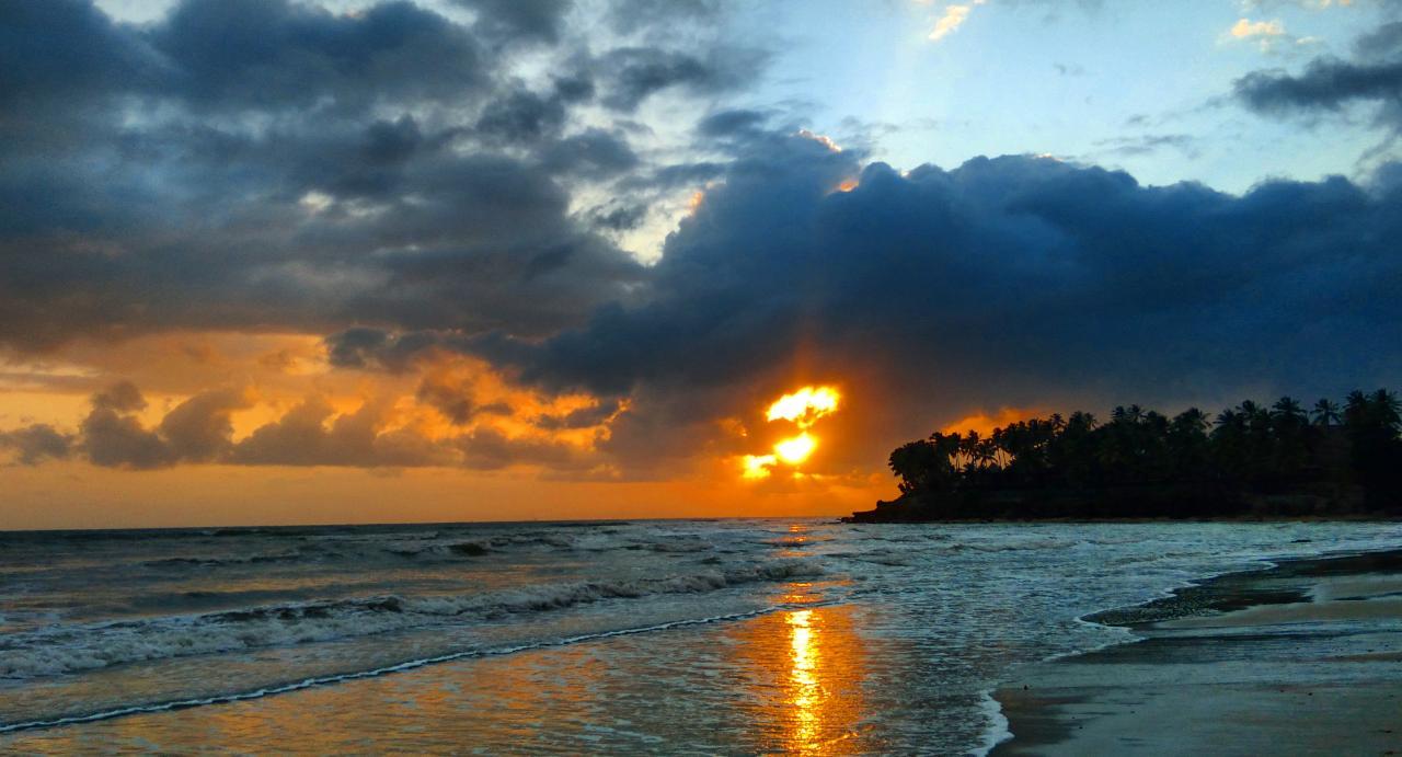 Áreas de instabilidade dão condições para chuva fraca sobre o litoral (FOTO: Érico Frota)