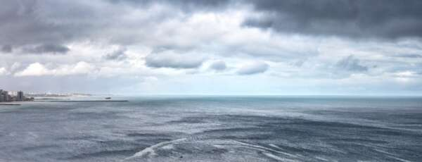 Litoral tem previsão de amancher novamente, nesta sexta, com precipitações (FOTO: Luciana Otoch)