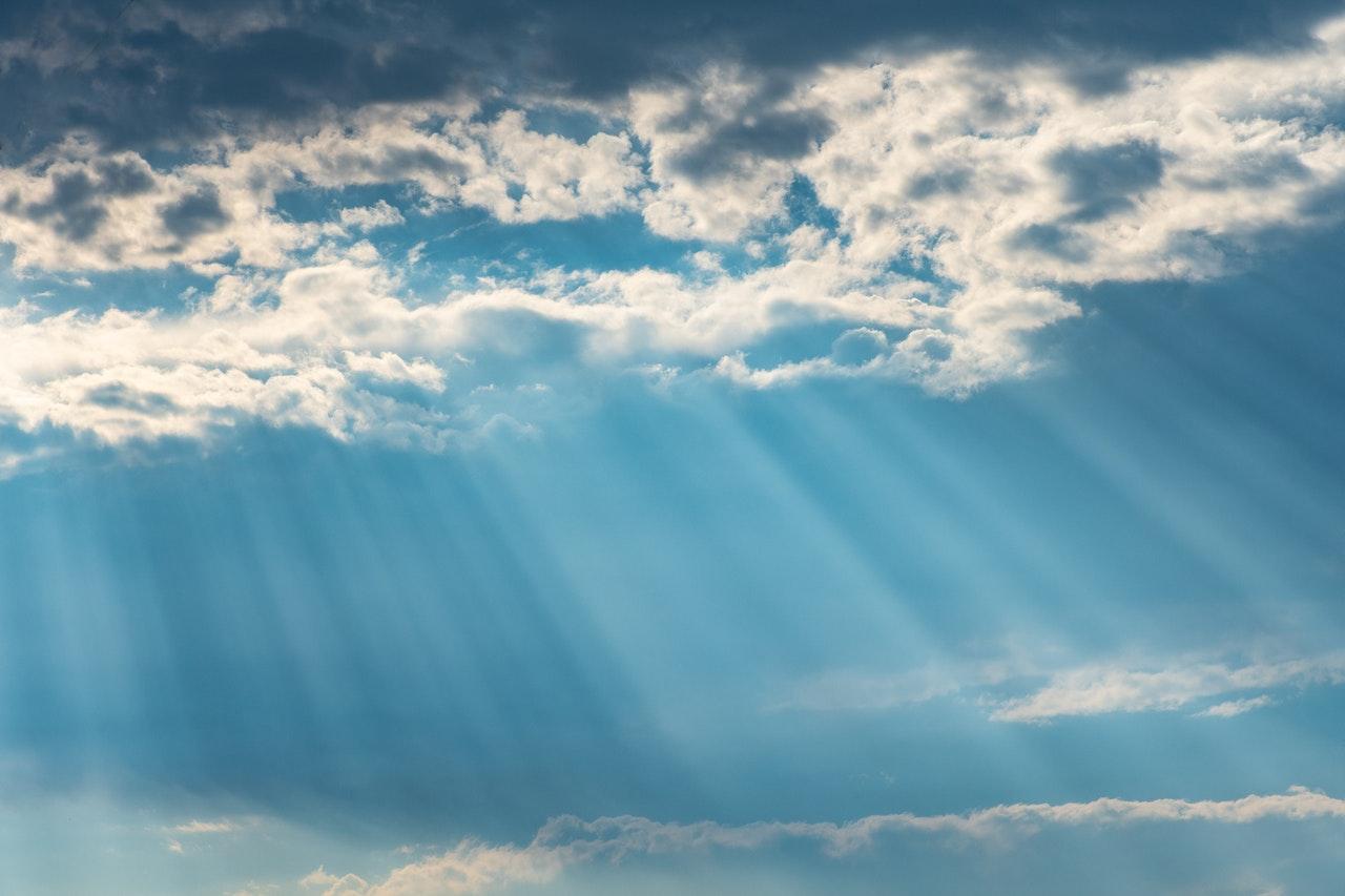Apesar da tendência de chuvas para amanhã e depois, céu deverá permanecer claro e grande parte do dia (FOTO: Reprodução)