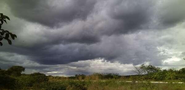 Áreas de instabilidade contribuiram para formação de nuvens desenvolvidas (FOTO: Iglys Furtado)