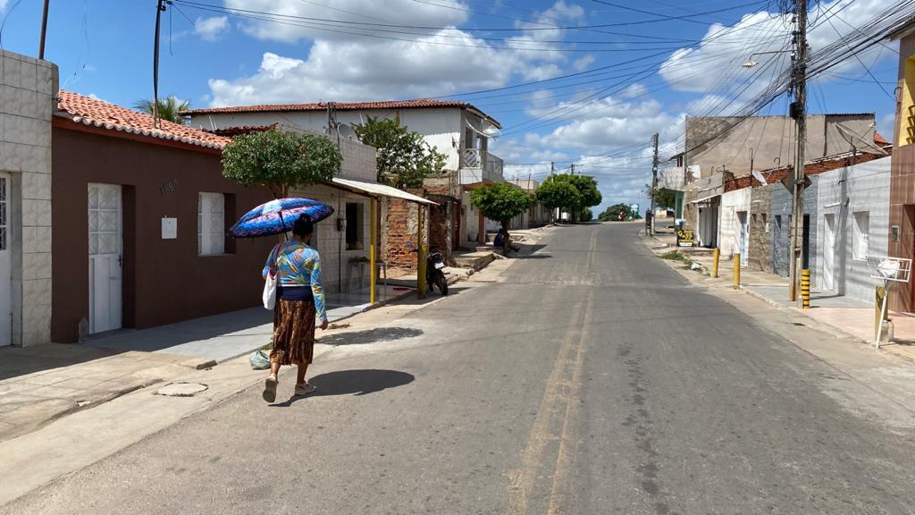 Previsão segue indicando predomínio de poucas nuvens sobre o Ceará; litoral tem possibilidade de chuva pontual e passageira nesta quinta-feira (29)